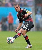FUSSBALL WM 2014  VORRUNDE    GRUPPE G    in Recife USA - Deutschland                  26.06.2014 Philipp Lahm (Deutschland) am Ball