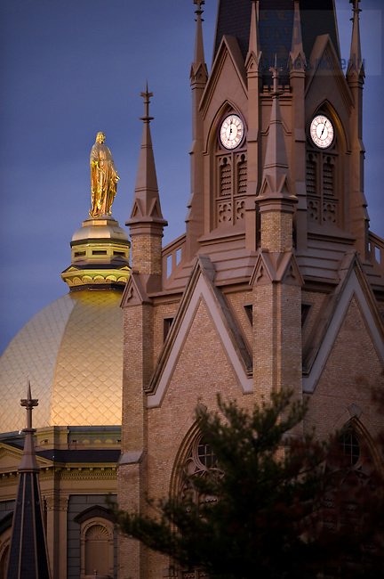 Oct. 25, 2011; Dome and Basilica steeple, fall 2011..Photo by Matt Cashore/University of Notre Dame