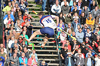 FIERLJEPPEN: IJLST: Watte Abma Skânsen, 25-08-2012, Fierljepferiening Drylts e.o., Nederlands kampioenschap, Senioren, kampioen Oane Galama (#15), ©foto Martin de Jong