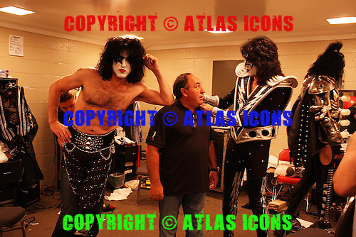 KISS; 2009; LIVE AND BACKSTAGE SESSION, NEIL ZLOZOWER