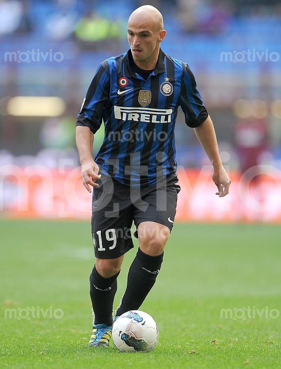 FUSSBALL INTERNATIONAL   SERIE A   SAISON 2011/2012    Inter Mailand - Chievoverona  23.10.2011 Esteban Cambiasso (Inter Mailand)