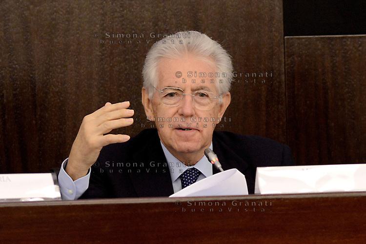 """Roma, 24 Settembre 2012.Cnvegno su """"Le riforme strutturali in Italia"""" oraganizzato dal Governo e dall0'Ocse Organizzazione per la cooperazione e lo sviluppo economico, che  presenta il dossier sulle riforme avviate  dal Governo Monti.Mario Monti , Presidente del Consiglio,nell'intervento iniziale"""