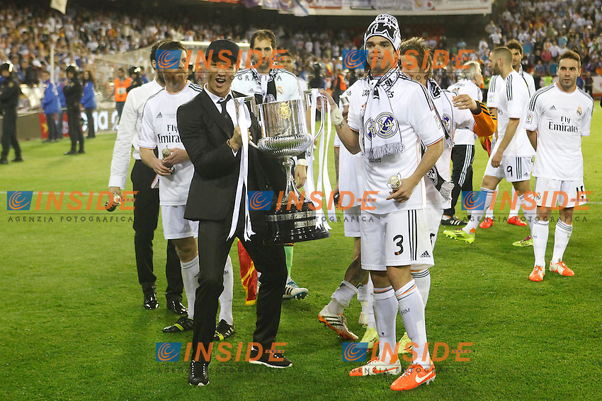 Real Madrid&Acirc;&acute;s Cristiano Ronaldo and Pepe celebration after winning the Spanish Copa del Rey `King&Acirc;&acute;s Cup&Acirc;&acute; final soccer match between Real Madrid and F.C. Barcelona at Mestalla stadium, in Valencia, Spain. April 16, 2014. (ALTERPHOTOS/Victor Blanco) <br /> Finale Coppa del Re<br /> Real Madrid Barcellona <br /> Foto Insidefoto