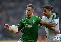 FUSSBALL   1. BUNDESLIGA   SAISON 2012/2013    30. SPIELTAG SV Werder Bremen - VfL Wolfsburg                          20.04.2013 Marko Arnautovic (li, SV Werder Bremen) gegen Ricardo Rodriguez (re, VfL Wolfsburg)