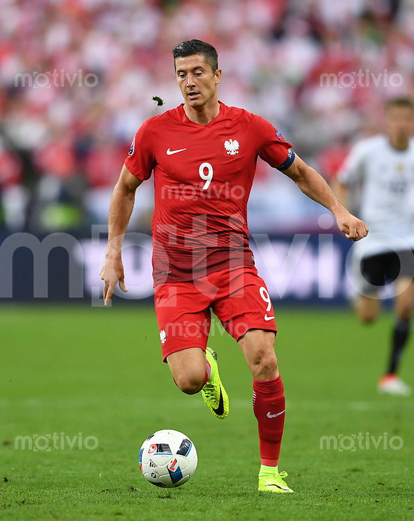 FUSSBALL EURO 2016 GRUPPE C IN PARIS Deutschland - Polen    16.06.2016 Robert Lewandowski (Polen)
