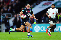 Jonathan Joseph of England goes on the attack. Old Mutual Wealth Series International match between England and Fiji on November 19, 2016 at Twickenham Stadium in London, England. Photo by: Patrick Khachfe / Onside Images
