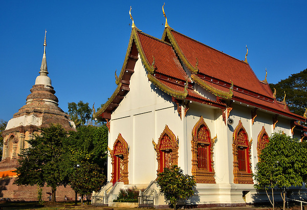 Viharn and Phra Chedi at Wat Jed Yod in Chiang Mai ...