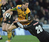 2005/06 Guinness Premiership Rugby, Saracens vs Northampton Saints, David Quinlan's, running with the ball is tackled by Sarries Kryan Bracken,  Vicarage Road, Watford, ENGLAND:     05.11.2005   © Peter Spurrier/Intersport Images - email images@intersport-images..
