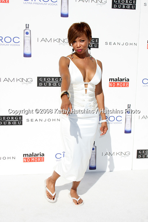 "Elise Neal  arriving at the White Party hosted by Sean ""Diddy"" Combs & Ashton Kutcher in Beverly Hills, CA on July 4, 2009 .©2008 Kathy Hutchins / Hutchins Photo.."