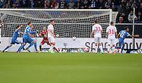 Fussball 1. Bundesliga 2012/2013: Relegation  Bundesliga / 2. Liga  TSG 1899 Hoffenheim  - 1. FC Kaiserslautern          23.05.2013 Roberto Firmino (re, TSG 1899 Hoffenheim) dreht nach seinem Tor zum 1:0 jubelnd ab. Torwart Torwart Tobias Sippel (Mitte, 1. FC Kaiserslautern)  kann das Tor nicht verhindern