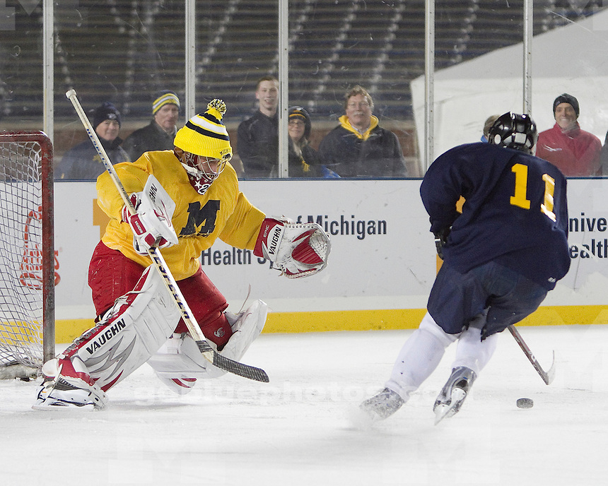 The University of Michigan Men's Hockey Alumni Game at the Big House on 12-09-10.