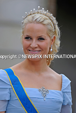 "CROWN PRINCESS METTE-MARIT.PRINCESS VICTORIA AND DANIEL WESTLING WEDDING.Royal Guests at the wedding  Stockholm_19/062010.Mandatory Credit Photo: ©DIAS-NEWSPIX INTERNATIONAL..**ALL FEES PAYABLE TO: ""NEWSPIX INTERNATIONAL""**..IMMEDIATE CONFIRMATION OF USAGE REQUIRED:.Newspix International, 31 Chinnery Hill, Bishop's Stortford, ENGLAND CM23 3PS.Tel:+441279 324672  ; Fax: +441279656877.Mobile:  07775681153.e-mail: info@newspixinternational.co.uk"