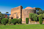 The Philosophers Hall ( Sala dei Filosofi ) at Hadrian's Villa ( Villa Adriana ) built during the second and third decades of the 2nd century AD, Tivoli, Italy. A UNESCO World Heritage Site.