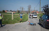 crash by Simone Antonini (ITA/Wanty - Groupe Gobert)<br /> <br /> 60th E3 Harelbeke (1.UWT)<br /> 1day race: Harelbeke &rsaquo; Harelbeke - BEL (206km)