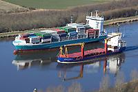 Feeder und Spezialschiff auf dem Nord Ostsee Kanal: EUROPA, DEUTSCHLAND, SCHLESWIG- HOLSTEIN,  (GERMANY), 12.03.2013: Feeder und Spezialschiff auf dem Nord Ostsee Kanal