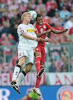 FUSSBALL   1. BUNDESLIGA  SAISON 2011/2012   1. Spieltag   07.08.2011 FC Bayern Muenchen - Borussia Moenchengladbach         Luiz Gustavo (re, FC Bayern Muenchen) gegen Mike Hanke (Borussia Moenchengladbach)
