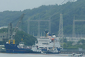 THE TAKAHAMA NUCEAR PLANT, AS BNFL SHIP 'PACIFIC PINTAIL'  COLLECTs REJECTED PLUTONIUM MOX FUEL, FOR SHIPMENT BACK TO THE UNITED KINGDOM. TAKAHAMA, JAPAN. 04/07/02. .PIC &copy; JEREMY SUTTON-HIBBERT/GREENPEACE 2002..*****ALL RIGHTS RESERVED. RIGHTS FOR ONWARD TRANSMISSION OF ANY IMAGE OR FILE IS NOT GRANTED OR IMPLIED. CHANGING COPYRIGHT INFORMATION IS ILLEGAL AS SPECIFIED IN THE COPYRIGHT, DESIGN AND PATENTS ACT 1988. THE ARTIST HAS ASSERTED HIS MORAL RIGHTS. *******