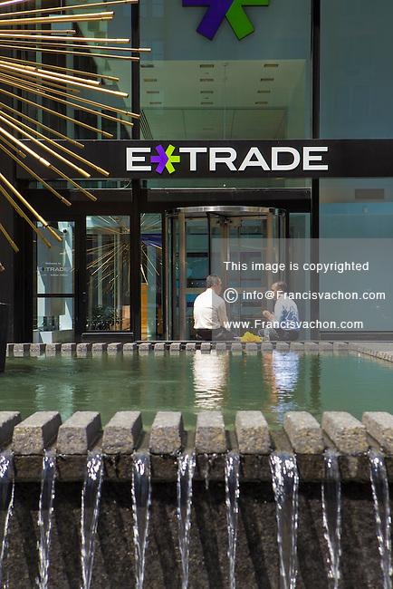 Online discount stock brokerage service
