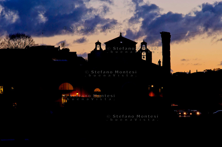Tramonto al Foro Romano<br /> Sunset at the Roman Forum