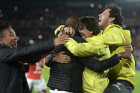 BOGOTÁ -COLOMBIA, 18-12-2016: Gustavo Costas coach of Santa Fe gestures, celebrates the title of his team as champion of Aguila League II 2016 after a match for the second leg between Independiente Santa Fe and Deportes Tolima, for the final of the Liga Aguila II -2016 at the Nemesio Camacho El Campin Stadium in Bogota city. Photo: VizzorImage/ Gabriel Aponte / Staff