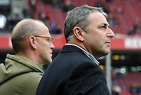 FUSSBALL   1. BUNDESLIGA   SAISON 2011/2012   29. SPIELTAG 1. FC Koeln - SV Werder Bremen                           07.04.2012 Trainer Thomas Schaaf (li) und Manager Klaus Allofs (re, beide SV Werder Bremen)