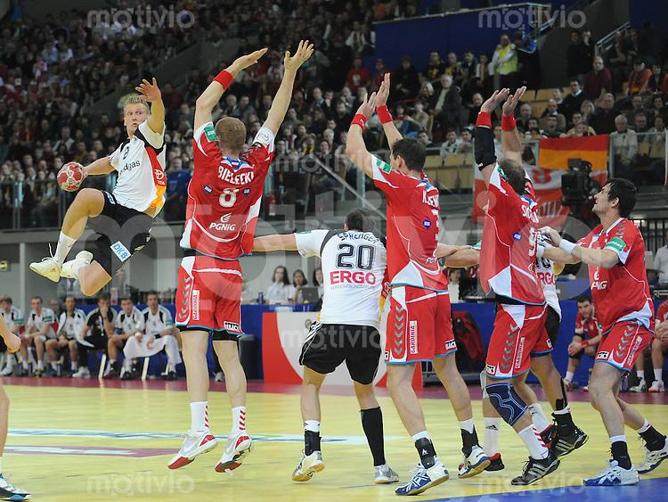 Handball EM Herren 2010 Vorrunde Deutschland - Polen 19.01.2010 Lars Kaufmann (GER) beim Wurf