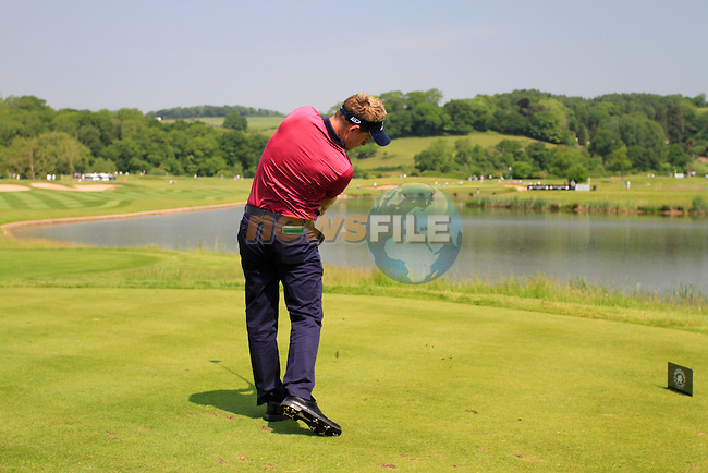 Luke Donald tees off on the par 4 6th hole during the 2nd Day of The Celtic Manor Wales Open, 4th June 2010 (Photo by Eoin Clarke/GOLFFILE).