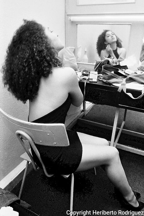 Mexican actress Diana Resendiz poses for a photograph in her dressing room prior to a rehearsal of Noches de Califas by Tepito's writer Armando Ramirez in Mexico City, June 30, 1992. Photo by Heriberto Rodriguez