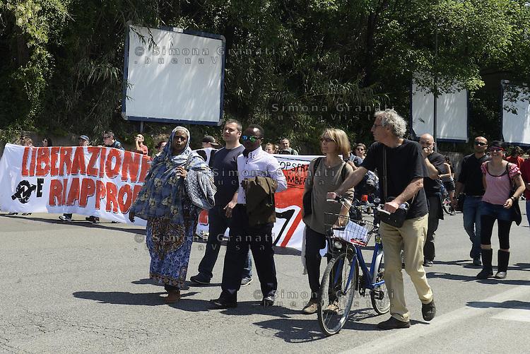 Roma, 25 Aprile 2014<br /> Corteo per la Liberazione dal nazifascismo da Centocelle a Largo Preneste con occupazione finale del Parco della ex Snia Viscosa .