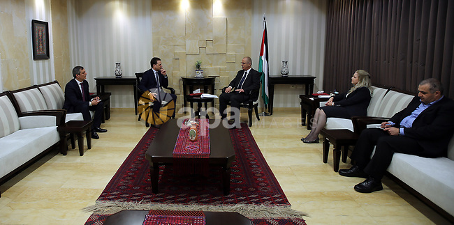 Palestinian Prime Minister Rami Hamdallah Meets with the Commissioner General of UNRWA Pierre Kimball in the West Bank city of Ramallah on April 17, 2017. Photo by Prime Minister Office