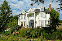 A luxury private residence in Hinsdale, IL with some superb and lush landscaping.