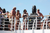 AUDIENCE-SHIP-BEACH (2014)