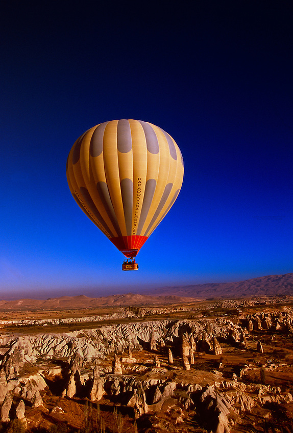 Hot air ballooning over Cappadocia, Goreme, Turkey ...