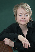 SARAH WATERS, AUTHOR, NOMINATED FOR 2006 BOOKER PRIZE. EDINBURGH INTERNATIONAL BOOK FESTIVAL. Saturday 19th August 2006. Over 600 authors from 35 countries are appearing at the Edinburgh International Book festival during 12th-28th August. The festival takes place in historic Edinburgh city, a UNESCO City of Literature.
