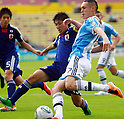 Jumpei Arai (JPN), Lucas Ocampos (ARG), JUNE 24, 2011 - Football : 2011 FIFA U-17 World Cup Mexico Group B match between Japan 3-1 Argentina at Estadio Morelos in Morelia, Mexico. (Photo by MEXSPORT/AFLO)