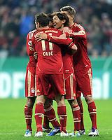 Fussball DFB Pokal:  Saison   2011/2012  2. Runde  26.10.2011 FC Bayern Muenchen - FC Ingolstadt 04 JUBEL nach dem Tor , Ivica Olic, Takashi Usami, Nils Petersen (v. li., FC Bayern Muenchen)