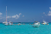 Grand Cayman. Boat excursion. Stingray City.