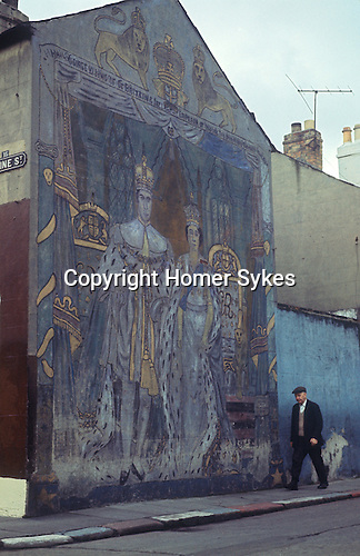 1970s wall painting mural royalists belfast homer sykes for Telephone mural 1970