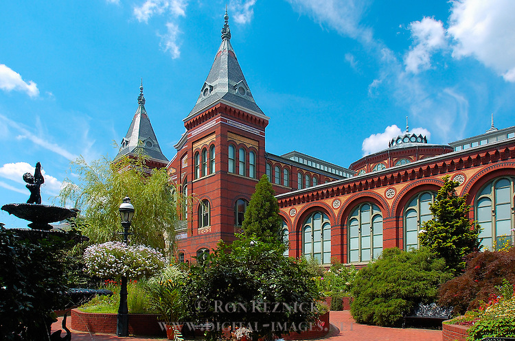 Smithsonian Institution, Art and Industry Building, Mary Ripley Garden, National Mall, Washington DC