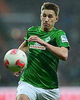 FUSSBALL   1. BUNDESLIGA   SAISON 2012/2013    22. SPIELTAG SV Werder Bremen - SC Freiburg                                16.02.2013 Nils Petersen (SV Werder Bremen) Einzelaktion am Ball