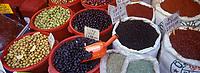 """Europe/Turquie/Istanbul : Bazar aux épices """"Misir Carsisi"""" - Olives et épices"""