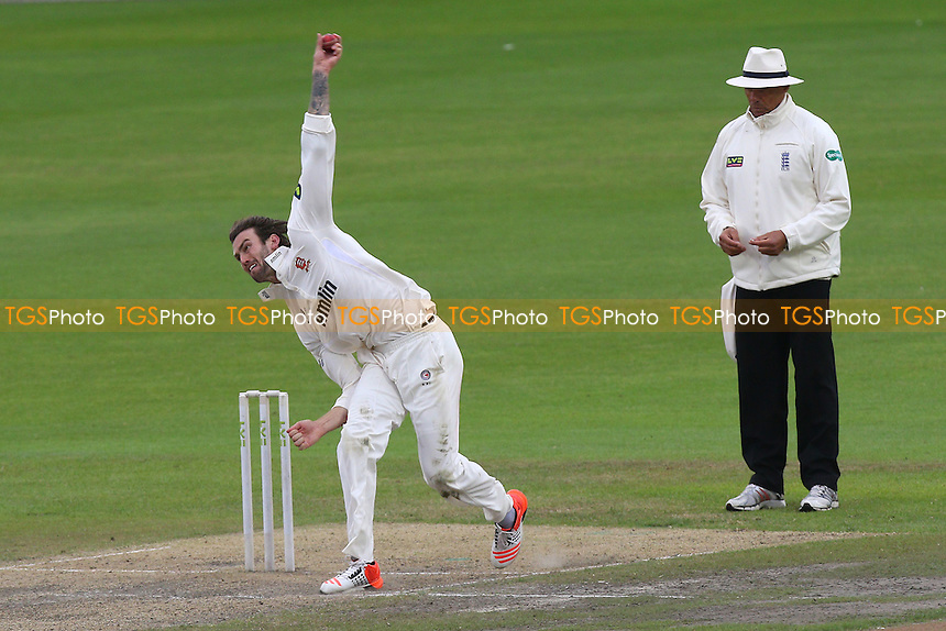 Reece Topley in bowling action for Essex - Lancashire CCC vs Essex CCC - LV County Championship Division Two Cricket at Emirates Old Trafford, Manchester - 08/07/15 - MANDATORY CREDIT: Gavin Ellis/TGSPHOTO