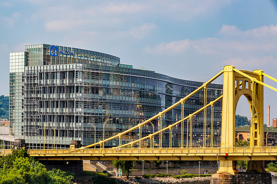 Pittsburgh - The City, its Bridges, Architecture and Neighborhoods