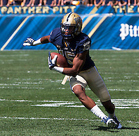Pitt wide receiver Devin Street. The Pitt Panthers defeated the New Mexico Lobos 49-27 on Saturday, September 14, 2013 at Heinz Field, Pittsburgh, Pennsylvania.