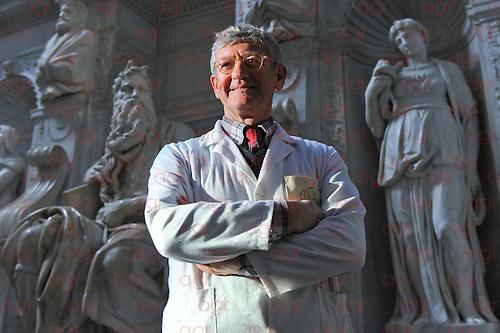 Torna la luce sulla tomba di Giulio II, capolavoro di Michelangelo di cui fa parte la celebre statua di Mose'.