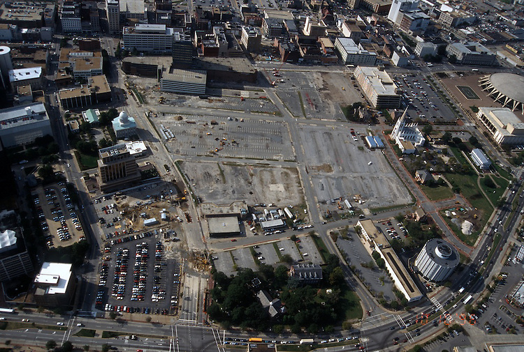 1996 October 10..Redevelopment..Macarthur Center.Downtown North (R-8)..LOOKING WEST...NEG#.NRHA#..