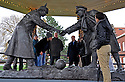 2014_12_25_christmas truce sculpture