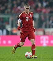 FUSSBALL   1. BUNDESLIGA  SAISON 2012/2013   27. Spieltag   FC Bayern Muenchen - Hamburger SV    30.03.2013 Bastian Schweinsteiger (FC Bayern Muenchen) am Ball