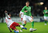 FUSSBALL   1. BUNDESLIGA   SAISON 2011/2012    14. SPIELTAG SV Werder Bremen - VfB Stuttgart       27.11.2011 Serdar TASCI (li, Stuttgart) gegen Sandro WAGNER (re, Bremen)