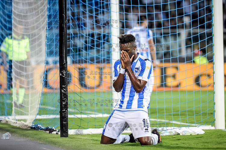 Bahebeck Jean (Pescara) The second goal of Mauro Icardi  (inter) during the Italian Serie A football match Pescara vs SSC Inter on September 11, 2016, in Pescara, Italy. Photo by Adamo DI LORETO